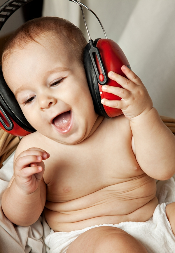 Funny Baby Listening the Music