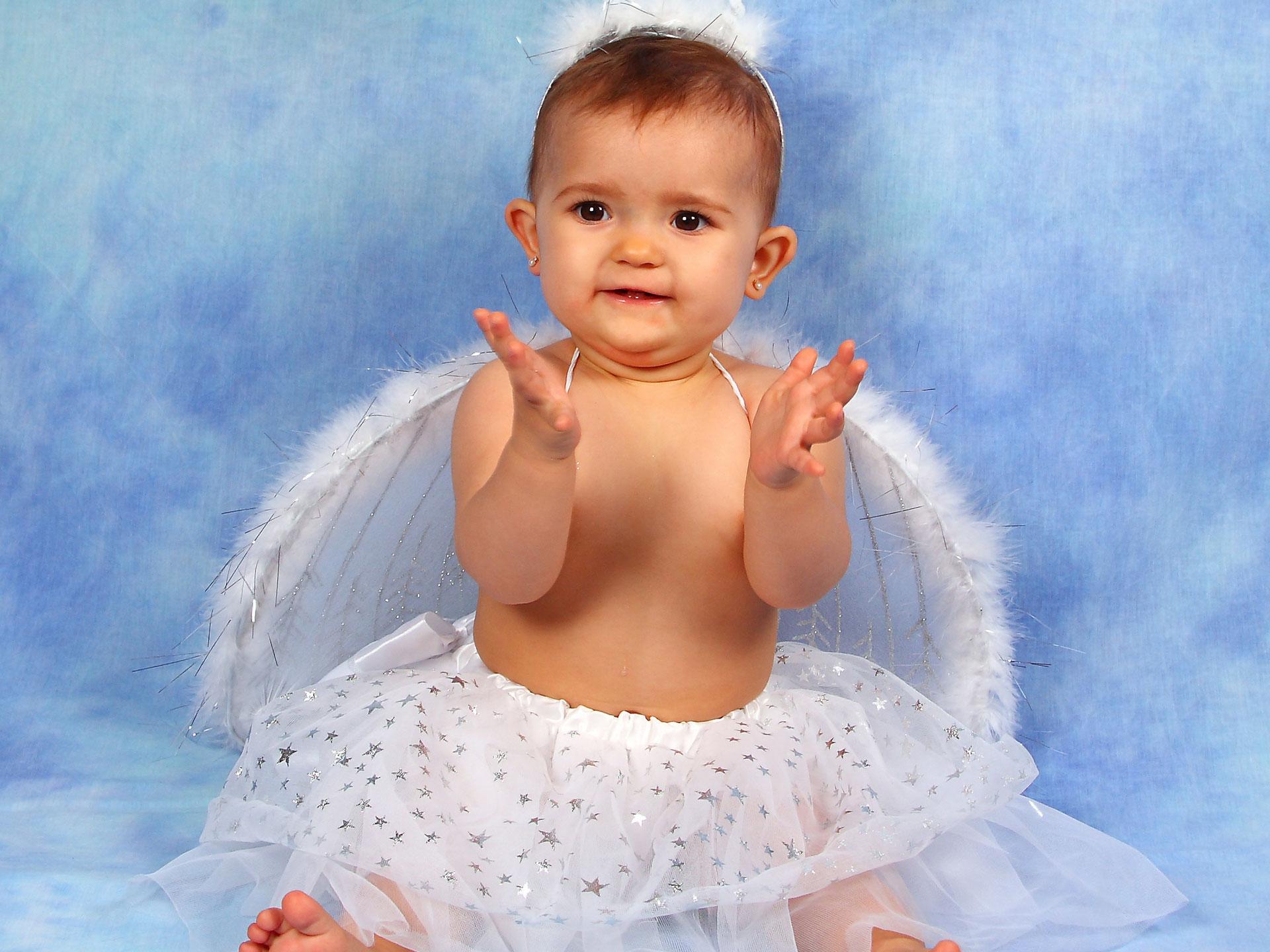 Ccute angel baby girl normal