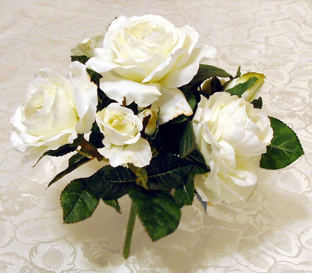 Beautiful White Roses Wallpapers Beautiful White Roses Image