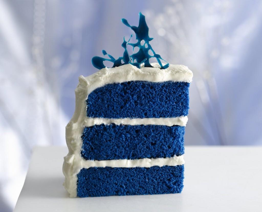 Blue velvet cake! Funny Amazing Picture