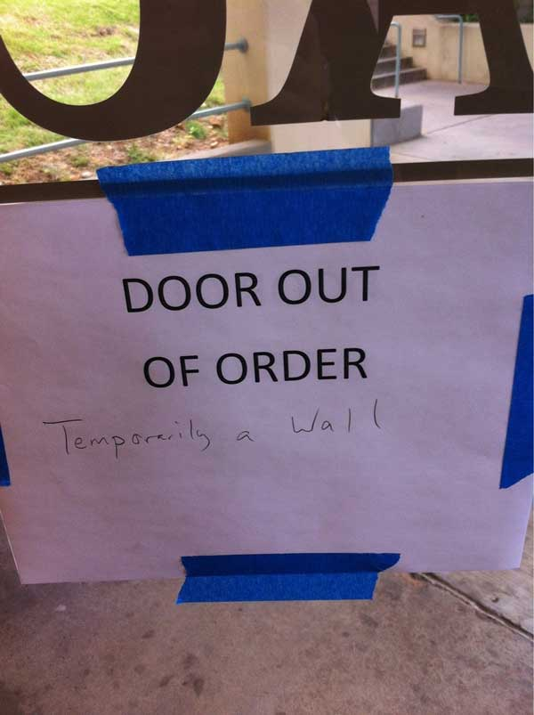 Door Out of Order Funny Sign Foto