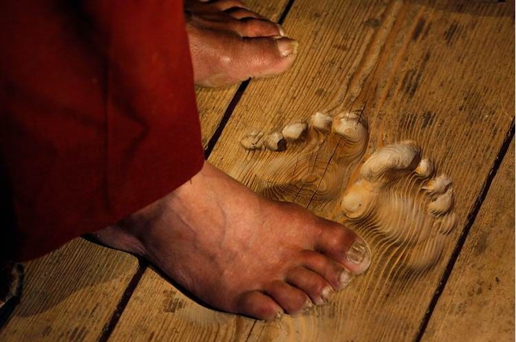 The floor of his monastery bears the shape of his feet.Funny Amazing Picture