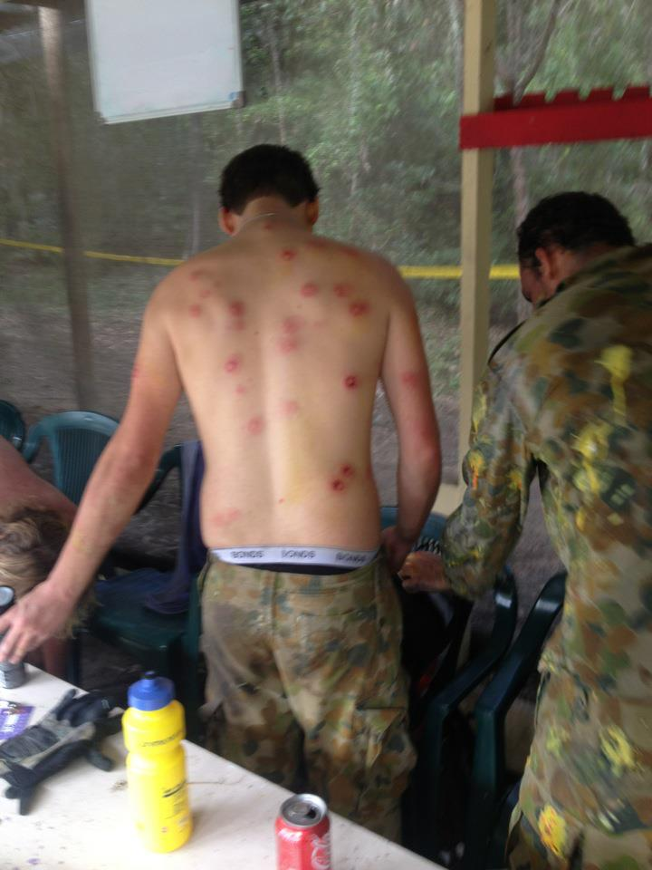 Play paintball they said, it doesn't hurt at all they said… Funny Men Foto